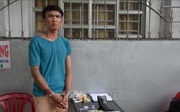 Hai vợ chồng buôn ma túy đá, phân liều cấp 'thuốc' cho các con nghiện