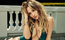 Jennifer Lopez: Hạnh phúc bên tình trẻ kém 6 tuổi, đẹp bốc lửa bất chấp tuổi 49
