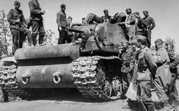 """1 xe tăng đấu 5.000 quân: Phát xít Đức """"ngả mũ"""" thán phục người lính Liên Xô"""