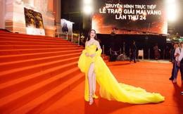 Người mẫu Thư Dung lên tiếng sau vụ xuất hiện phản cảm tại thảm đỏ Mai Vàng