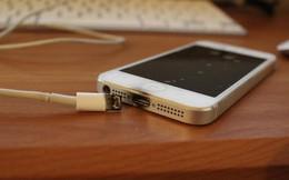 Vì sao điện thoại dễ phát nổ khi vừa dùng vừa sạc?
