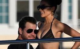 Hoa hậu Olivia Culpo diện bikini, thả sức vui đùa trên du thuyền