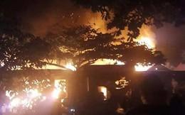 3 nhà dân bị thiêu rụi trong đêm, dân hốt hoảng sơ tán