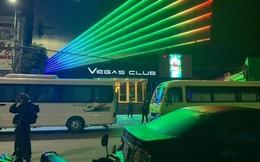 Cảnh sát đặc nhiệm đột kích, bắt hơn 100 dân chơi trong quán bar mới mở ở Huế