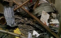 Sau tiếng nổ lớn làm bay mái nhà, 5 người bị vùi trong đống đổ nát, 1 người tử vong