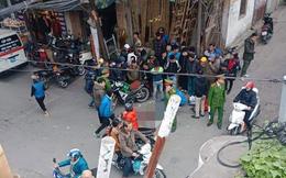Đang đi đường, người đàn ông mặc áo Grab ngã gục tử vong giữa phố Hà Nội