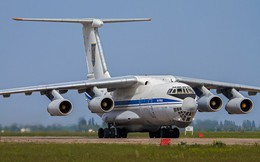 """Bí ẩn lô """"hàng nóng"""" Ukraine chuyển tới căn cứ Không quân Mỹ: Vũ khí Nga lộ mật?"""