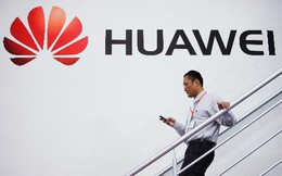 'Lỡ tay' đăng dòng chúc mừng năm mới trên Twitter của Huawei bằng iPhone, 2 nhân viên bị hãng cách chức, trừ lương