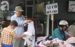 """Câu chuyện ấm lòng trước Tết, sạp quần áo """"ai có đến cho, ai cần đến lấy"""" giữa chung cư Sài Gòn"""