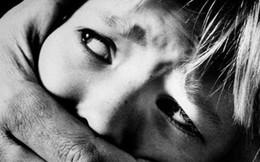 Bé gái 7 tuổi bị bạn của cha dâm ô tại nhà trong ngày Tết
