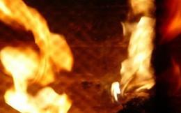 Bị chửi, người đàn ông tưới xăng đốt chết vợ ở Bình Phước