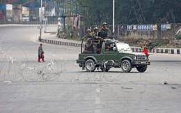 Ấn Độ ráo riết truy lùng kẻ chủ mưu vụ đánh bom xe ở Kashmir