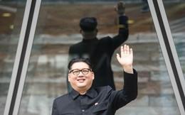 Thu nhập khó tin của cặp đôi có vẻ ngoài giống nhà lãnh đạo Kim Jong-un