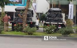 """[NÓNG] Hơn 200 mật vụ Mỹ và vũ khí trong đoàn hộ tống TT Trump """"đổ bộ"""" xuống sân bay Nội Bài"""