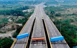 24h qua ảnh: Quân đội Venezuela chặn đường chở hàng viện trợ