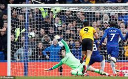 Sảy chân ngay tại Stamford Bridge, Chelsea giúp Man United có tin vui
