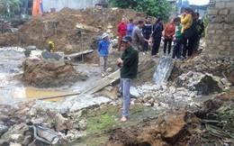 2 thợ hồ đào móng bị tường nhà hàng xóm đổ đè thương vong