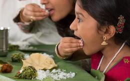 """Những nguyên tắc ăn uống chi li của phương Đông khiến người phương Tây phải """"nhức cả đầu"""""""