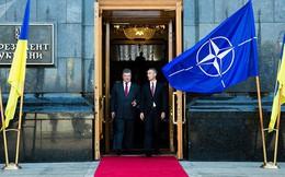 """Cựu TT Gruzia: Ông Poroshenko từng định """"hiến"""" Crimea để đổi lấy tấm vé vào EU, NATO từ năm 2014"""