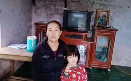 Cho đứa trẻ lạc ăn cơm nhờ, người phụ nữ bị đuổi đánh vì nghi bắt cóc trẻ em