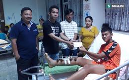Hồng Duy đại diện ĐT Việt Nam tặng món quà ý nghĩa cho cầu thủ U19 Đà Nẵng bị gãy chân