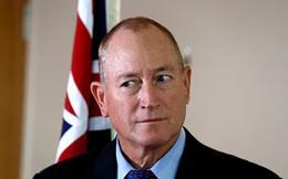 Thượng nghị sĩ Australia đấm thiếu niên sau khi bị ném trứng vào đầu