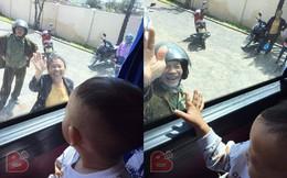Cảnh ông bà ngước lên ô tô, vẫy tay tiễn cháu và con gái lên thành phố gây xúc động