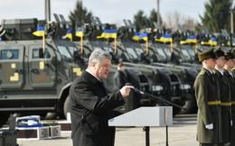 """Trước thềm bầu cử: Ukraine nhận lô khí tài """"khủng"""", TT Poroshenko thề giành lại Donbass, Crimea"""