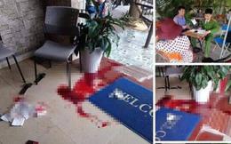 Đang ngồi uống cà phê, một phụ nữ bị đâm chết