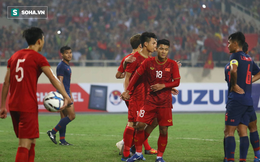 Bên cạnh tấm thẻ đỏ xấu xí của Thái Lan là hình ảnh đáng trân trọng về Hà Đức Chinh