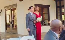 Hồ Ngọc Hà khoe lần đầu đi ăn cưới ở Mỹ và bất ngờ với biểu cảm của Kim Lý khi làm phù rể