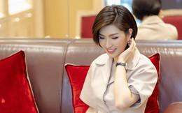 Nhan sắc rạng rỡ của nữ ca sĩ vừa trở về Việt Nam sau 15 năm biệt xứ vì scandal ảnh nóng