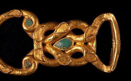 Phát hiện kho trang sức vô giá trong ngôi mộ 2.000 năm tuổi trên bán đảo Crimea