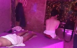 """Nữ nhân viên 20 tuổi kích dục cho """"thượng đế"""" trong tiệm massage ở Sài Gòn"""