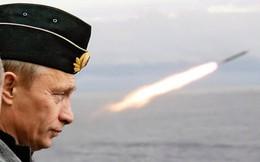 """Chuyên gia phương Tây bóc mẽ sự thật đằng sau những """"vũ khí thần kỳ"""" của Nga"""