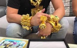 Bóc khối lượng vàng giả được đeo trên người Phúc XO, khủng nhất là vòng cổ chỉ đeo được 5 phút