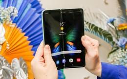 """Cận cảnh Samsung Galaxy Fold: Smartphone đắt đỏ nhưng độc lạ và """"xịn sò"""" nhất hiện nay!"""