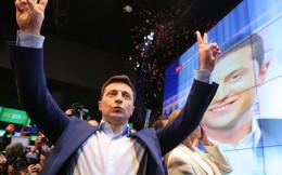 """Ông Putin ra """"đòn hiểm"""" ở Donbass, tân TT Ukraine mắng Nga thậm tệ, đòi cấm vận thẳng tay"""
