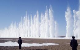 24h qua ảnh: Trung Quốc dùng thuốc nổ phá băng trên sông