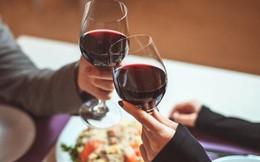 Vén màn bí mật các cuộc hẹn hò lãng mạn của cả trăm quý ông tại nhà hàng sang trọng