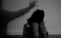 Tạm giữ hình sự nguyên Chủ tịch xã bị tố ôm hôn bé gái 8 tuổi