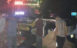 Taxi đấu đầu xe khách, 3 người tử vong tại chỗ