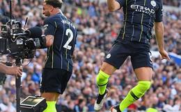 Màn ăn mừng chức vô địch Premier League của Man...