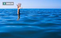 4 tuổi bị đuối nước được cứu, 9 năm sau quay về chốn cũ cậu bé gặp cảnh tượng không ngờ