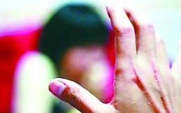 Nhiều lần chứng kiến bố mẹ ân ái, thiếu niên 15 tuổi cưỡng dâm bé gái 7 tuổi