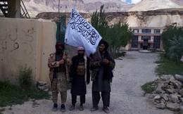 """Bị Taliban tấn công, Quân đội Afghanistan hoảng hốt bỏ chạy: Chờ trực thăng Mỹ """"bốc""""?"""