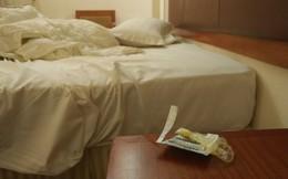 """Gái chưa chồng tập dọn phòng khách sạn, chê khách hỏng cả ông lẫn bà bất ngờ bị """"ném đá"""" ngược"""
