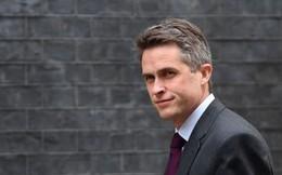 Tiết lộ cuộc điện thoại khiến Bộ trưởng Quốc phòng Anh mất chức