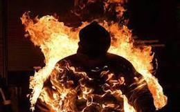 Người đàn ông bán vé số tự tẩm xăng lên người rồi đốt dẫn đến tử vong