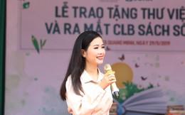'Sao Mai' Trần Hồng Nhung lần đầu tiết lộ chuyện tuyệt thực vì bị bố đốt truyện tranh